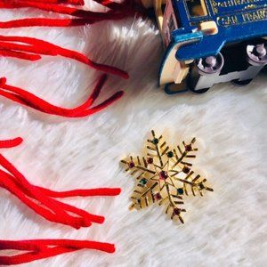 Snowflake Brooch Pin Gold Rhinestone Holiday Xmas